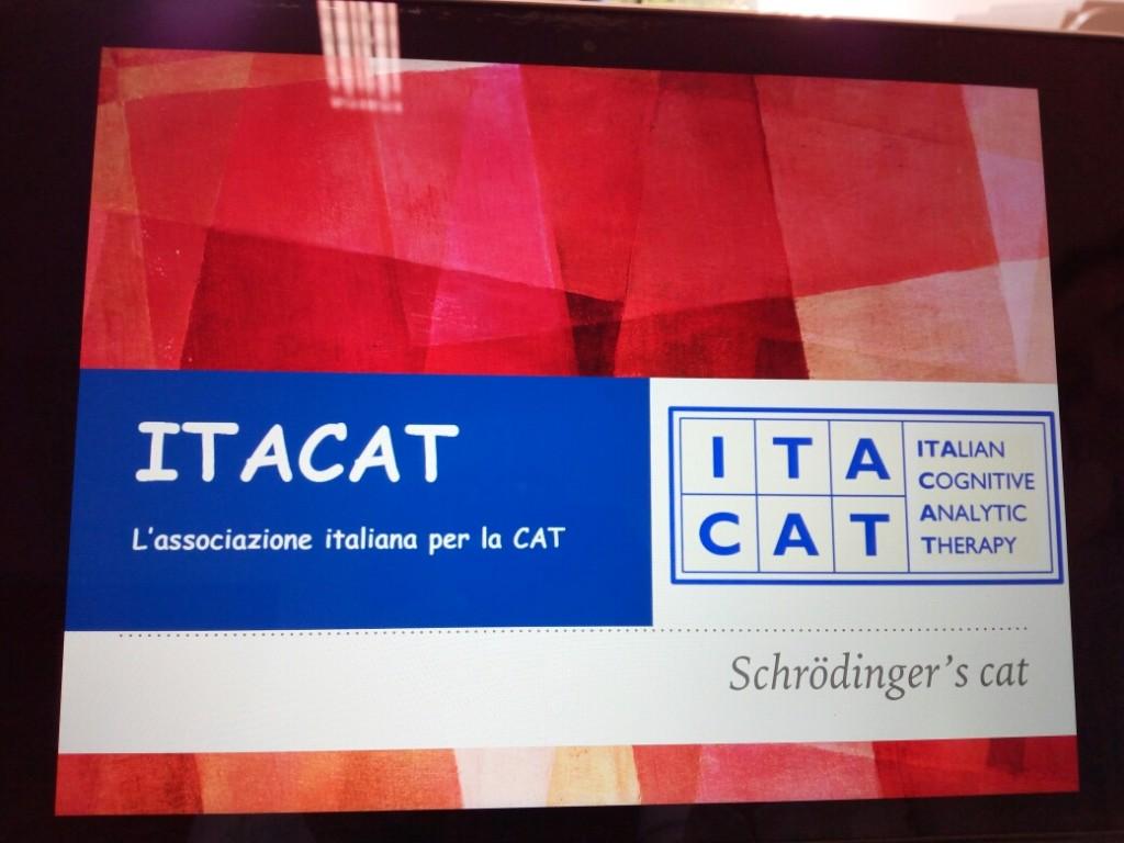 Slide iniziale della presentazione italiana.